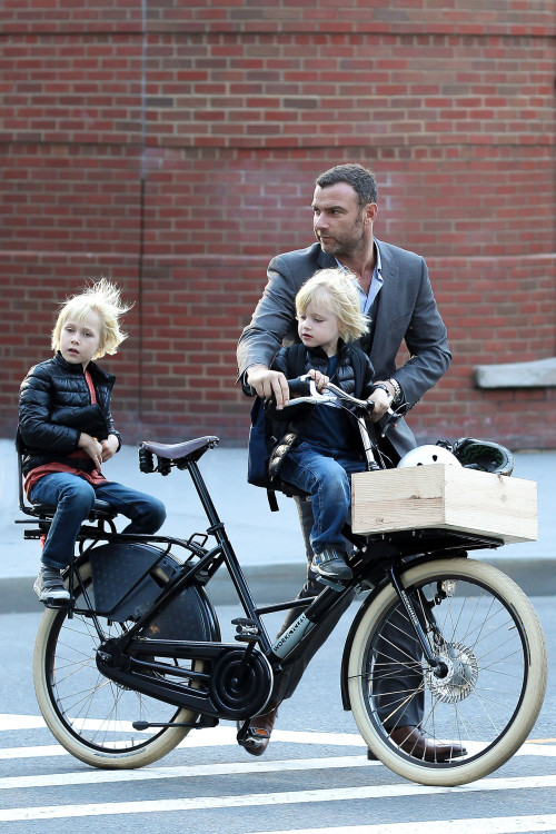 Liev Schreiber and his Boys go for an Afternoon Ride
